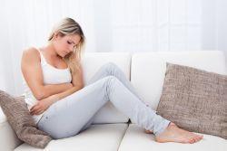Сгустки крови при месячных, похожие на печень: причины, нормальны ли такие выделения, диагностика и лечение