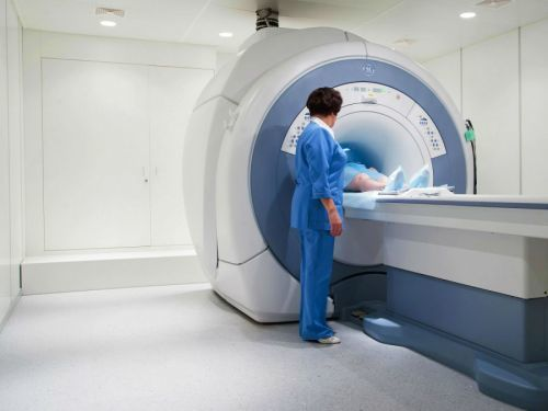 Ангиография сосудов головного мозга: проведение церебрального исследования головы и противопоказания