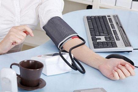 Растворимый кофе - повышает арт давление или нет и как влияет на сосуды