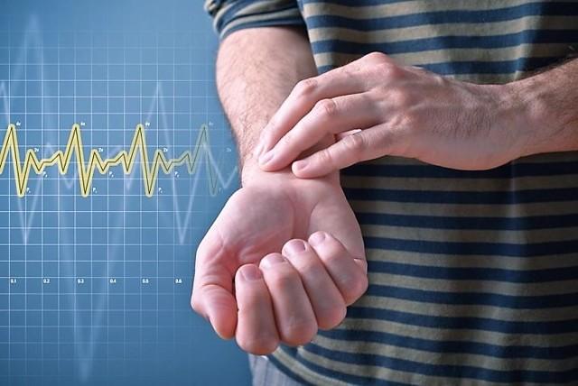 Низкий пульс: что делать срочно в домашних условиях, причины и лечение - первая помощь, лекарства и народные средства