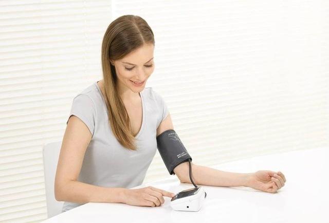 Тонометры на палец: все, что следует выяснить до покупки