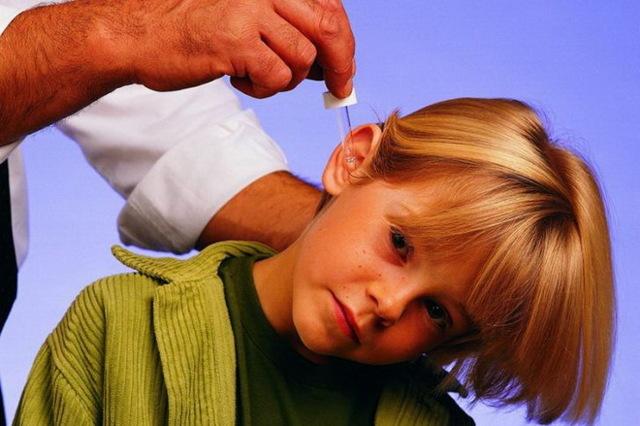 Кровь из ушей: причины, что делать, лечение, возможные последствия