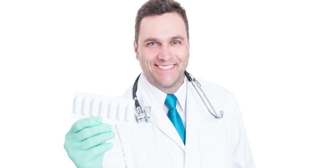 Геморрой у мужчин: причины, симптомы, лечение в домашних условиях, препараты, свечи, фото