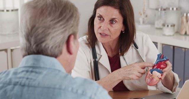 Суправентрикулярная экстрасистолия: что это такое, причины симптомы, диагностика и лечение