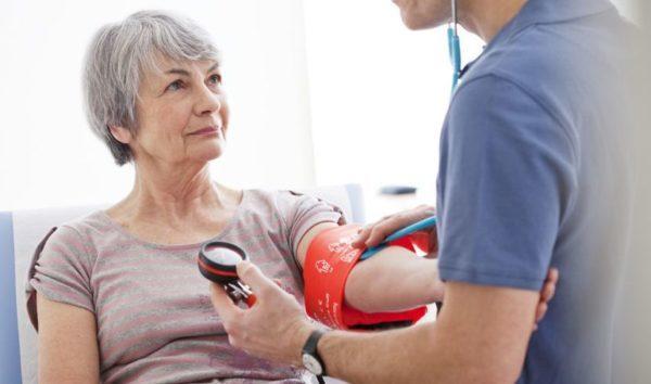 Низкое давление у женщин: причины, симптомы, признаки, лечение и профилактика