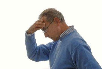 Симптомы и первые признаки микроинсульта у мужчин: причины появления, первая помощь и последствия