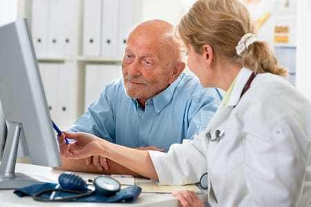 Флеболог: кто это и что лечит, отличия от сосудистого хирурга, где принимает, методы лечения