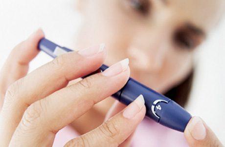 Повышенный сахар в крови: причины и симптомы, как лечить недуг у женщин и мужчин