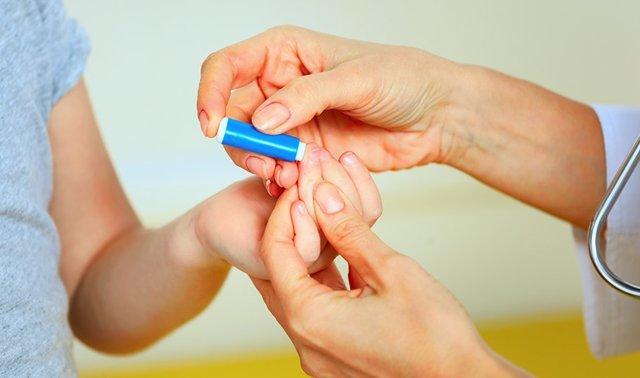 Низкий гемоглобин у ребенка: причины, признаки и последствия состояния, как поднять