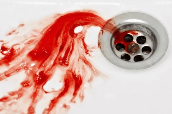 Кровь изо рта: причины, что при этом делать, лечение