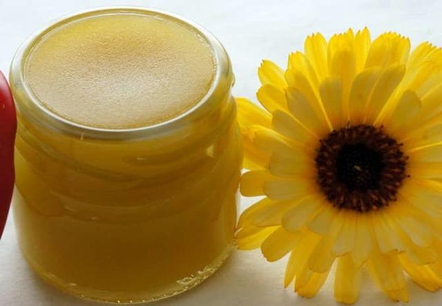 Пчелиный воск при варикозе: польза и применение