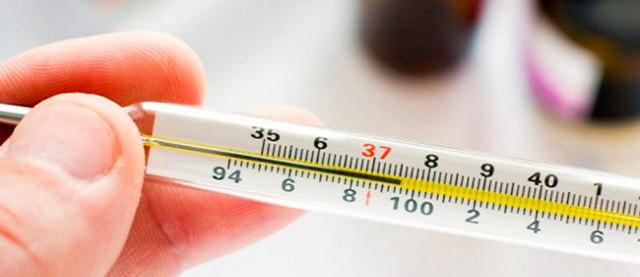 Понос с кровью у взрослого: причины, особенности заболевания, первая помощь, лечение