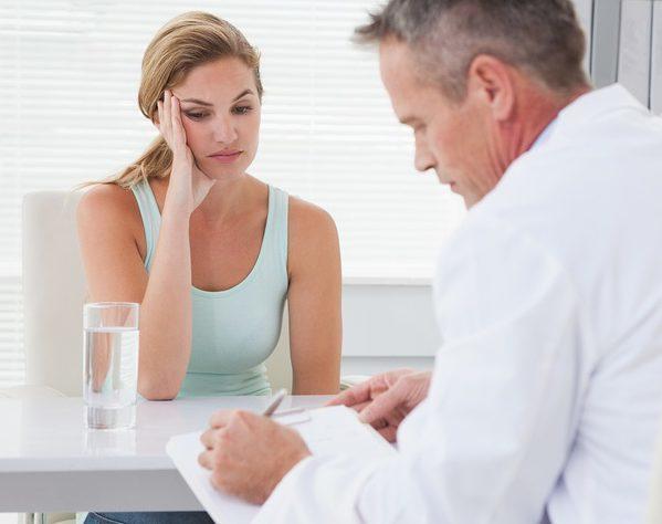 На сколько падает гемоглобин во время месячных: причины, норма