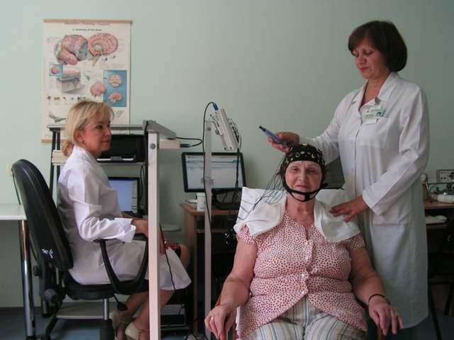 РЭГ сосудов головного мозга: показания и противопоказания, подготовка и методика проведения обследования